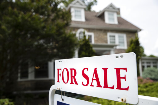 Analysis: Falling home sales not helping middle-class buyers