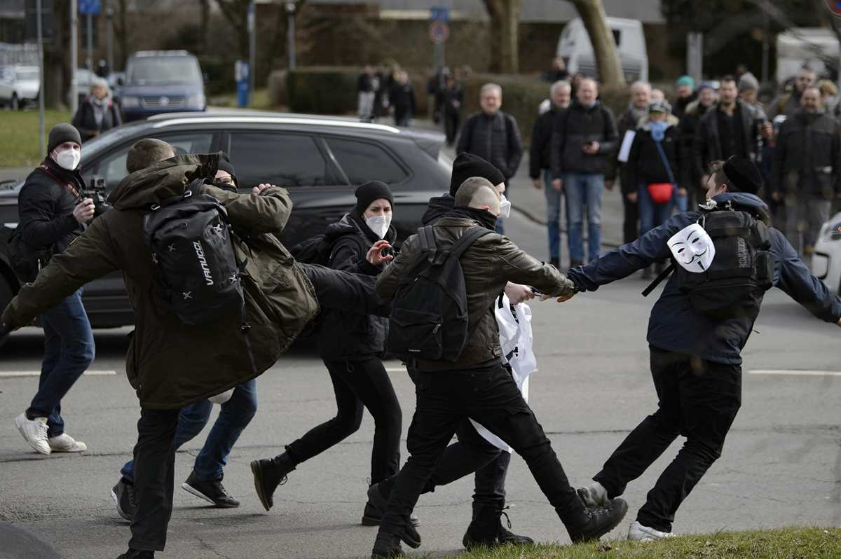 german government welcomes probe into virus protest policing 2021 03 22 2 primaryphoto
