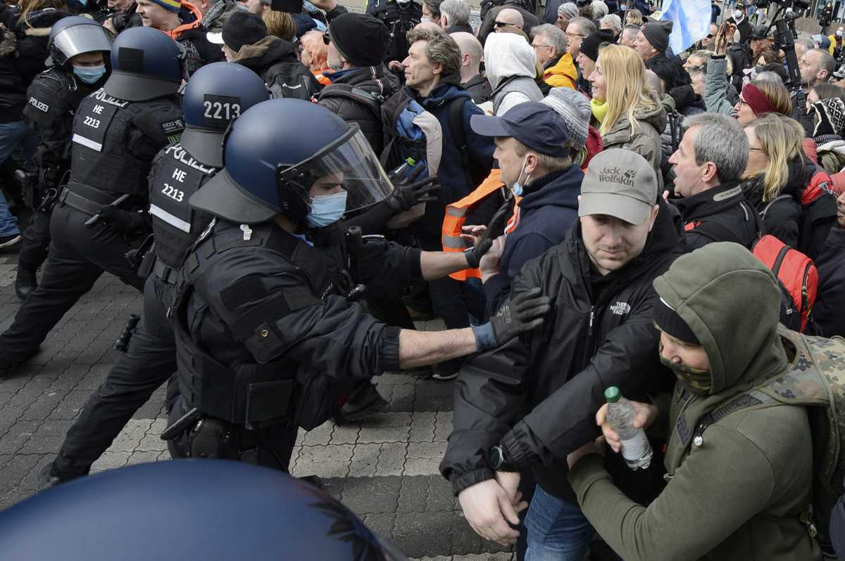 german government welcomes probe into virus protest policing 2021 03 22 6 primaryphoto