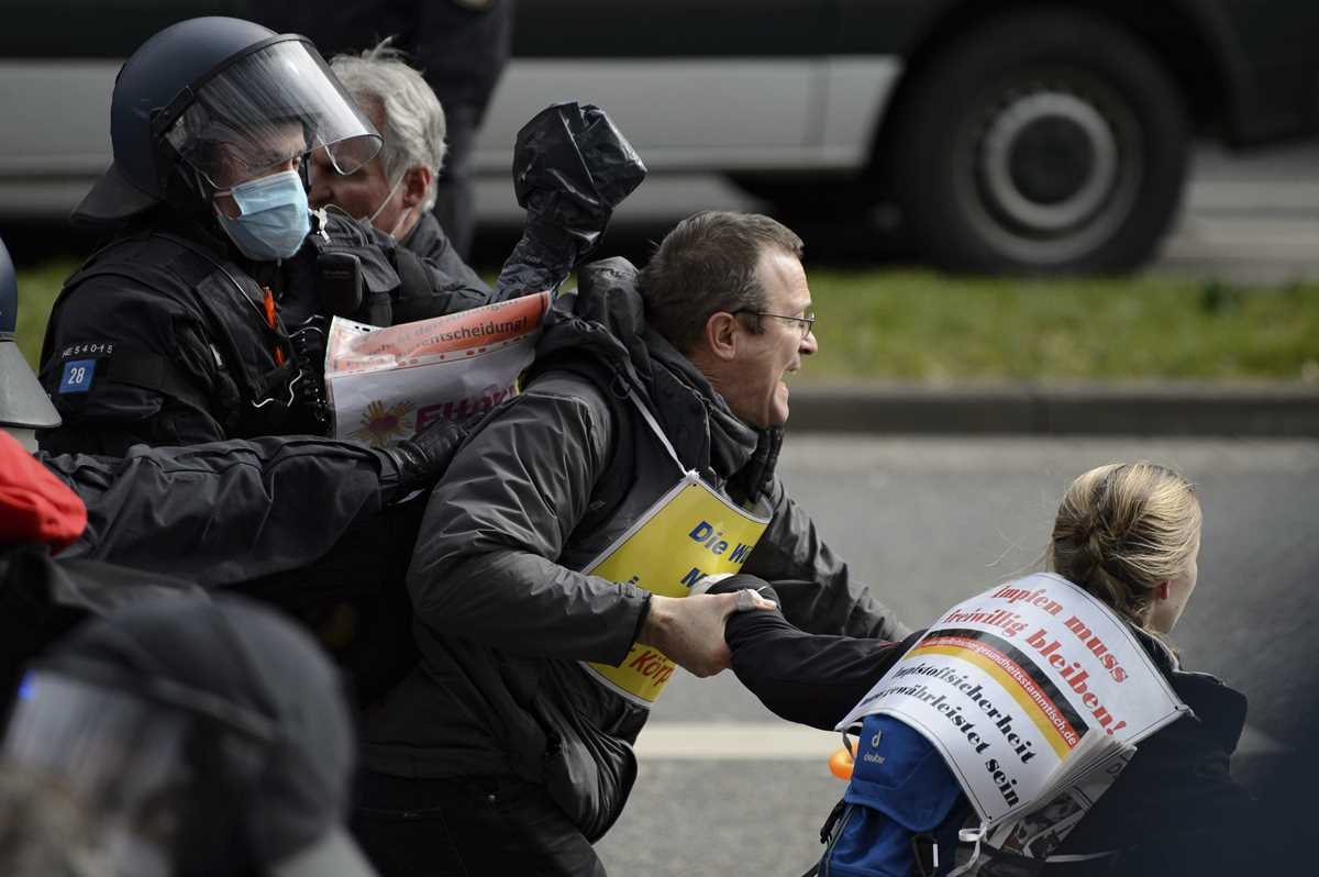 german government welcomes probe into virus protest policing 2021 03 22 7 primaryphoto