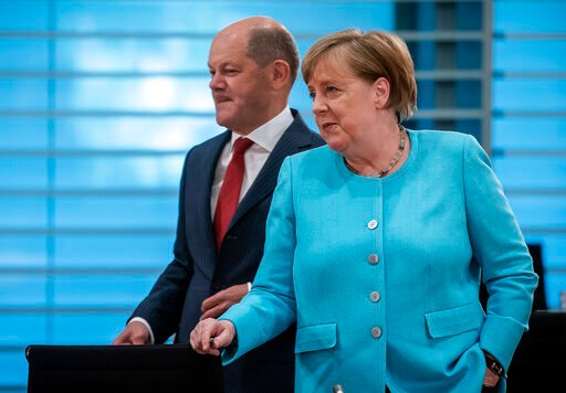 German jobless rate up modestly, government mulls stimulus