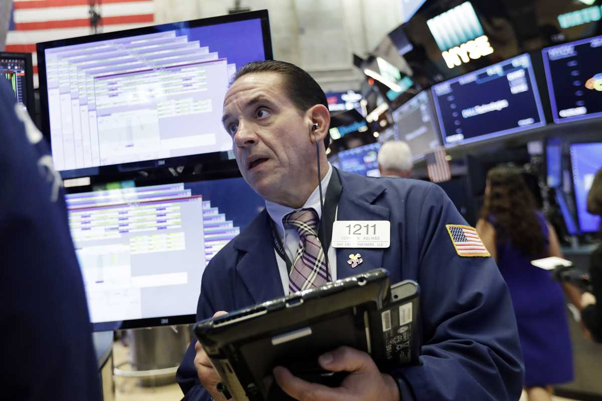 Markets Right Now: A mixed start for stocks on Wall Street