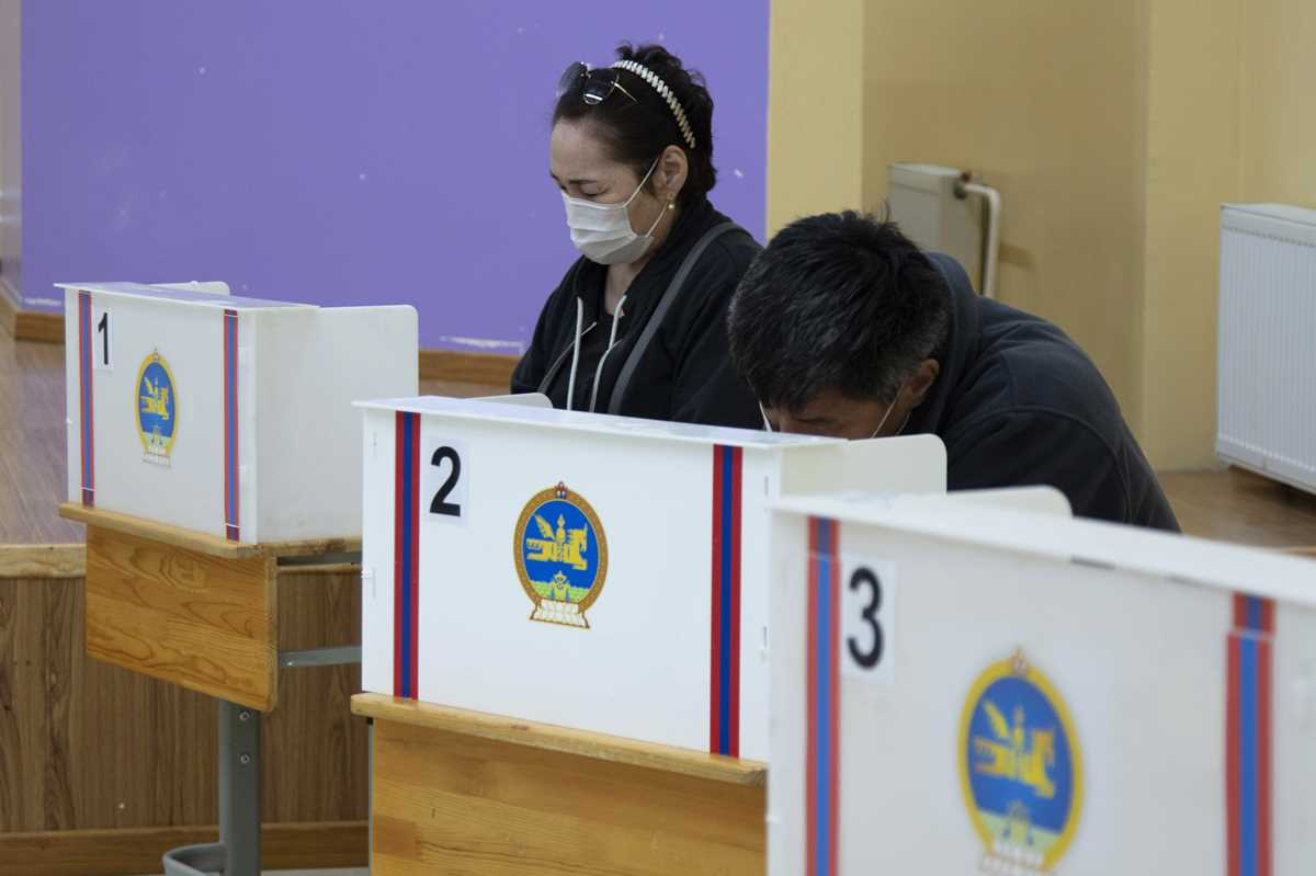 mongolian ruling party seen winning presidency amid pandemic 2021 06 09 2 primaryphoto
