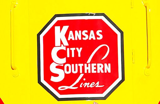 Railroad bidding war for Kansas City Southern is reignited