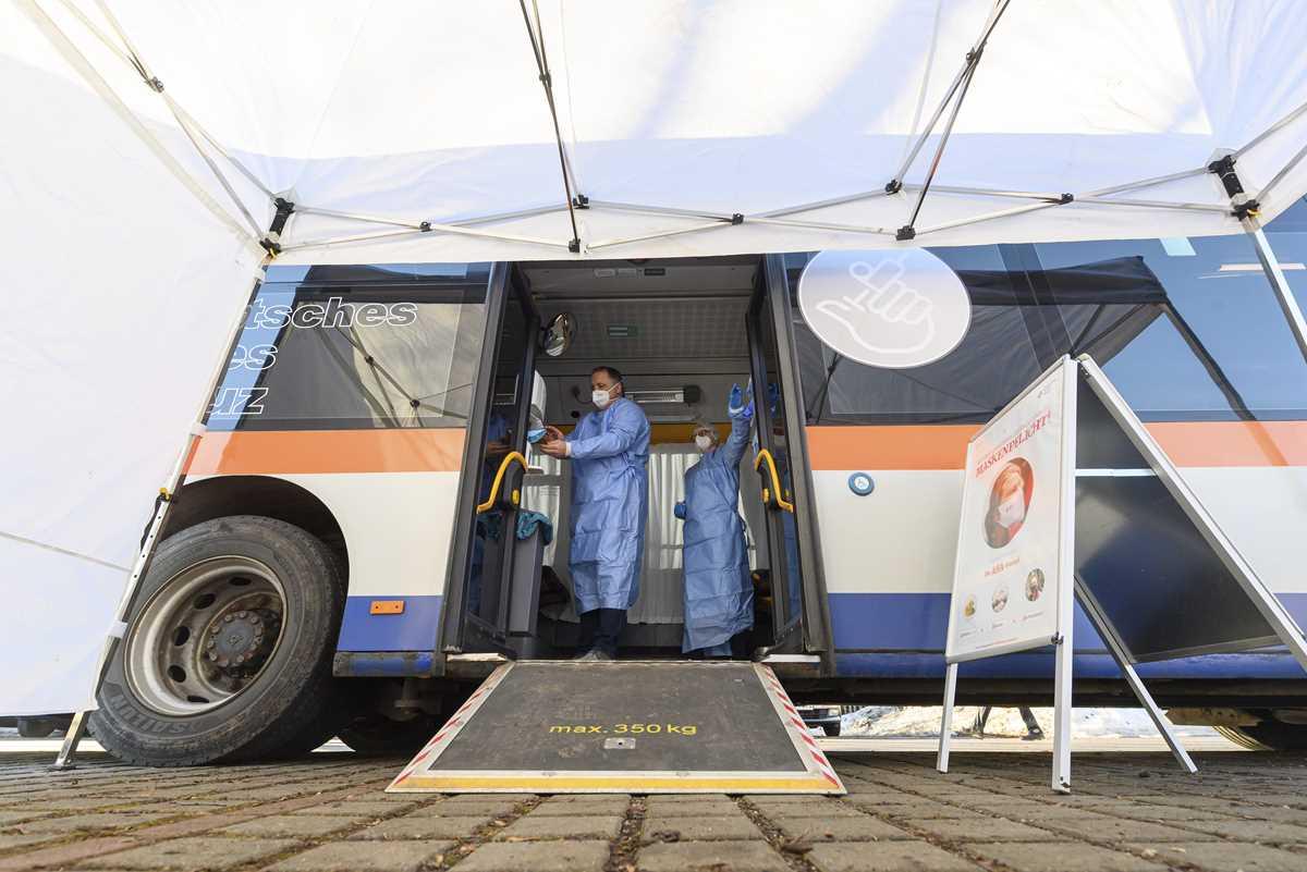 the latest serbia welcomes astrazeneca vaccine shipment 2021 02 21 10 primaryphoto