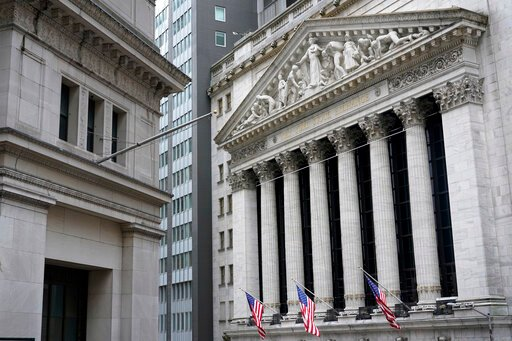 US stocks fall further from records amid inflation fears