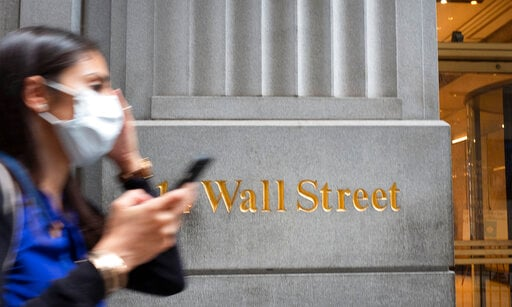 US stocks move higher, pushing S&P 500 closer to a record