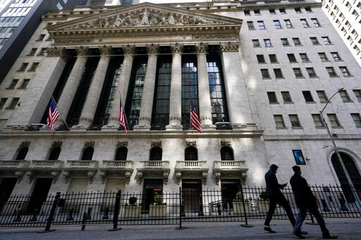 US stocks turn mixed after posting their 6th monthly gain