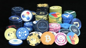 which is better to invest in stocks or cryptocurrency
