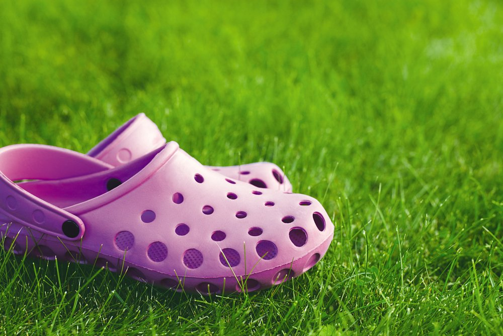 Crocs (NASDAQ: CROX) Stands Out in Footwear Industry: Does It Have More Room to Run?