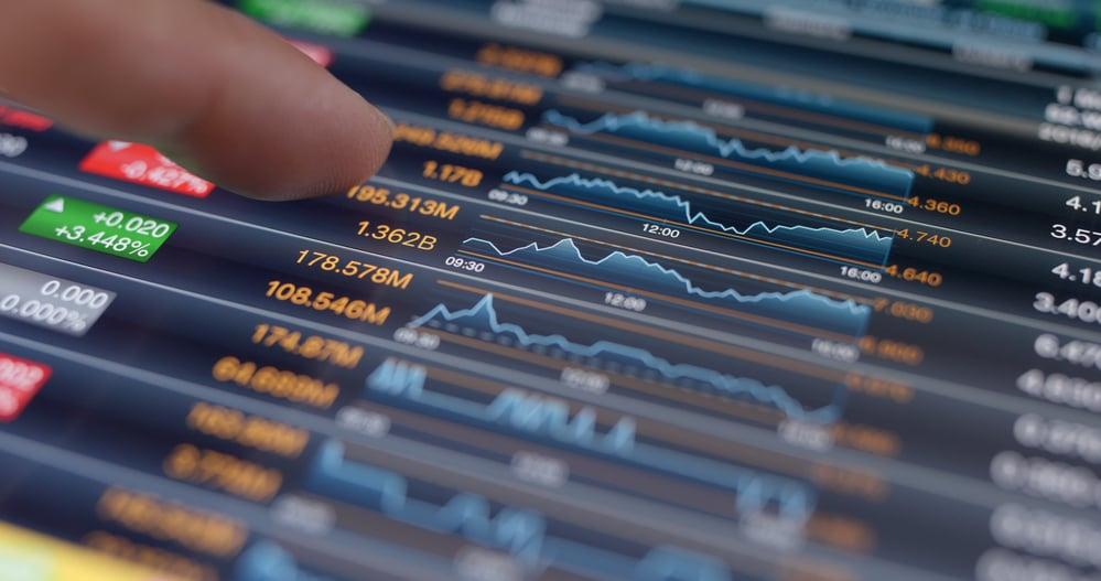 Hold Off on Foot Locker Stock on Supply Chain Uncertainties