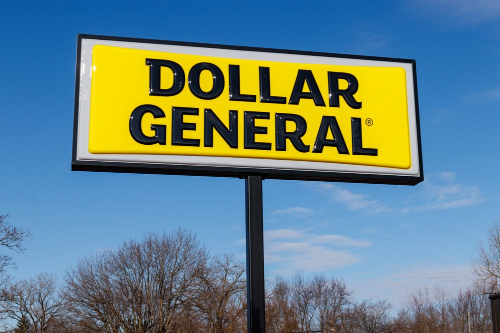Is Dollar General or Dollar Tree the Better Discount Retail Stock?