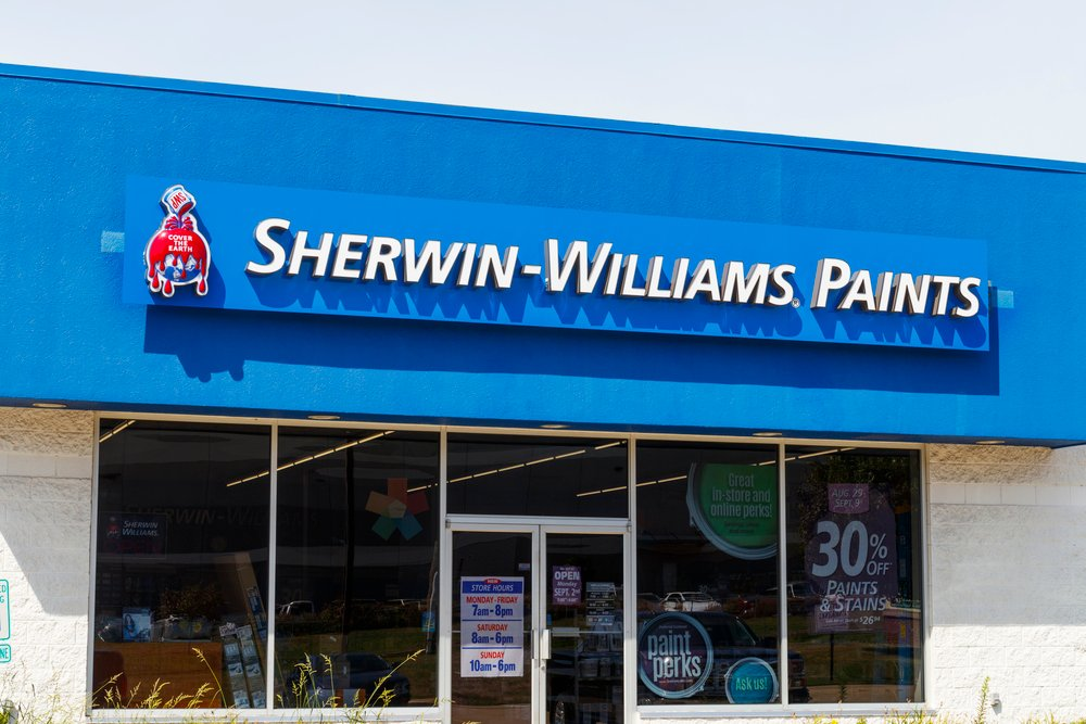 Sherwin-Williams (NYSE:SHW) Gets a Fresh Coat of Analyst Love