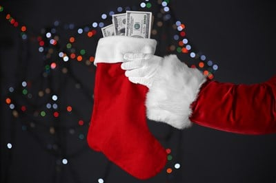 Last-Minute Stocking Stuffers For Dividend-Growth Investors
