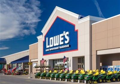 Lowes Slips Despite Earnings Report Victories