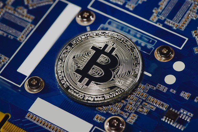 Is it Time to Buy the Dip in Coinbase (NASDAQ:COIN)?