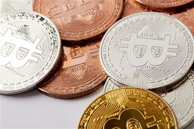 3 Stocks With Crypto Exposure Forming Price Consolidations