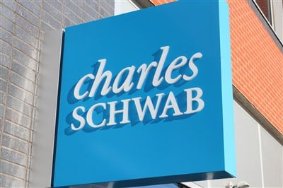 Charles Schwab (NYSE: SCHW) Has Tailwinds in 2021