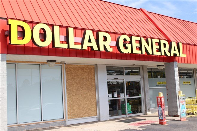 Investors Are Getting a Gift With the Dip in Dollar General
