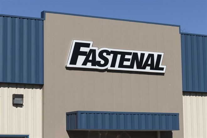 Fastenal Outruns Inflation, Shares Pop