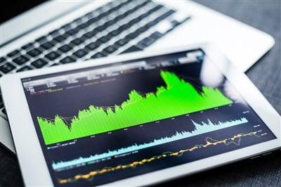 Fastenal (NASDAQ:FAST) Down On Tepid Earnings